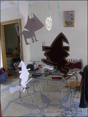 Halloween d coration maison bricolage enfant activit s for Decoration fenetre classe